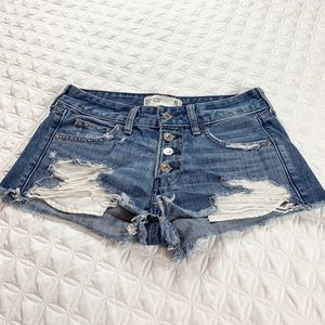 Abercrombie & Fitch Low  Rise Distressed Short